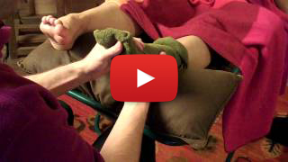 how to do a reflexology foot wrap from Thailand